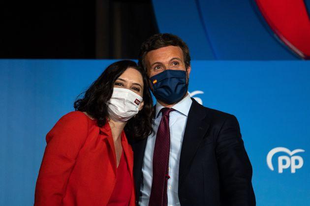 Isabel Díaz Ayuso y Pablo Casado, en la sede del