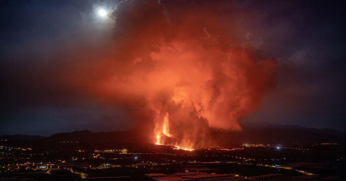 La lava sobrepasa Todoque y La Palma se prepara para su llegada al mar