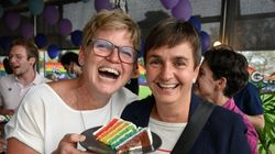 スイスが同性婚を認める国に仲間入りへ。法制化を問う国民投票で過半数が「イエス」に投票