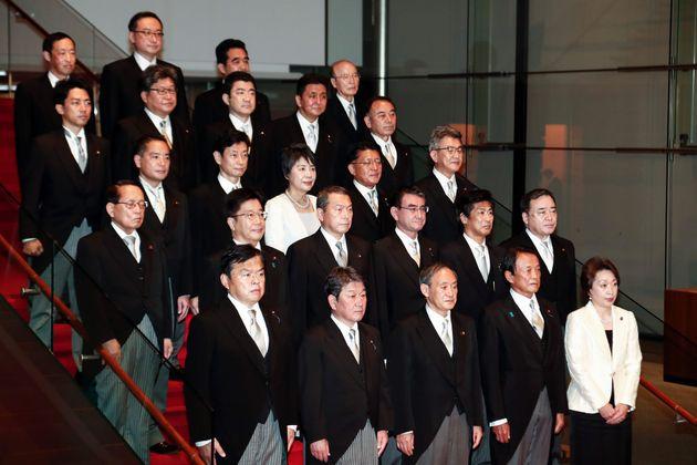 2020年9月16日に発足した菅内閣。20の閣僚ポストのうち、女性は上川陽子氏と橋本聖子氏の2人に留まった(発足当時)。