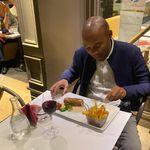 Le chef martiniquais Marcel Ravin refoulé d'un dîner avec Macron, l'organisateur plaide