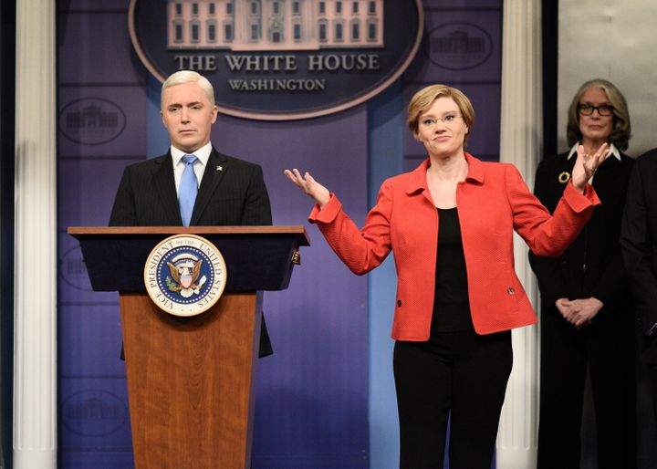 Beck Bennett as Mike Pence, and Kate McKinnon as Elizabeth Warren during the cold open in Season 45.