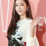 제시카의 패션 브랜드 '블랑 앤 에클레어'가 홍콩서 채무 불이행으로 소송에 휘말렸고, 그 금액은