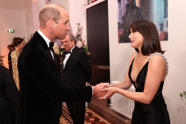 William greets de Armas.