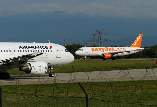 Après la crise du covid-19, une dizaine de compagnies aériennes ont pris l'engagement d'améliorer leurs modalités de remboursement, parmi lesquelles Air France et EasyJet (photo d'illustration prise à Genève en septembre 2017).