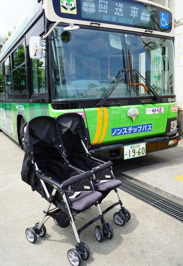 都営バスと、都交通局の各営業所支所に配備された研修用の2人乗りベビーカー