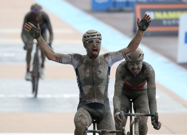 L'Italien Sonny Colbrelli a remporté la célèbre course Paris-Roubaix dimanche 3 octobre.