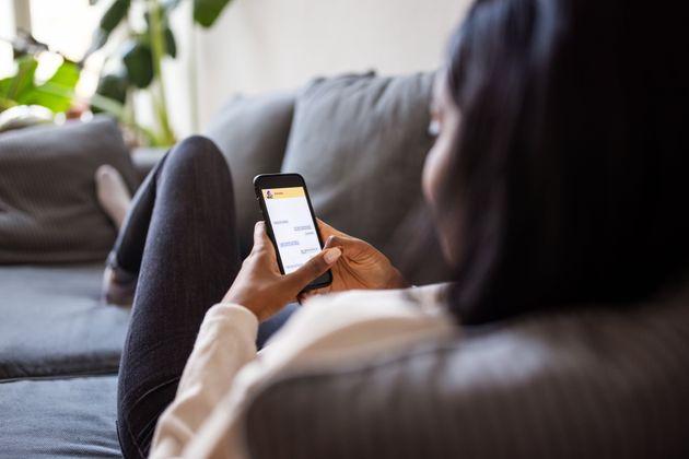 Le SMS a été la solution de repli pour de nombreux internautes après la panne de Facebook, Instagram et Whatsapp.