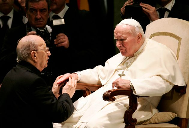 Marcial Maciel, con el papa Juan Pablo II, en