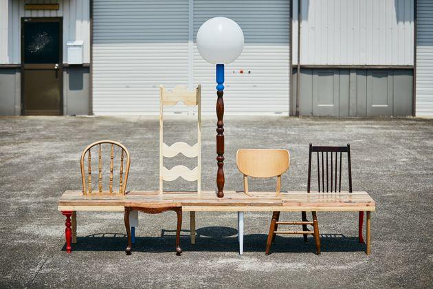 メルカリに出品された物を使い、「座れるアート」をmagmaが制作。もともとmagmaはクリエイションに必要な資材をメルカリで探していたという。