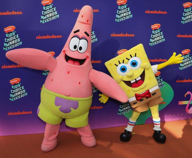 스폰지밥(오른쪽)과 그의 친구