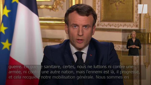 Emmanuel Macron annonce le confinement en mars 2020.