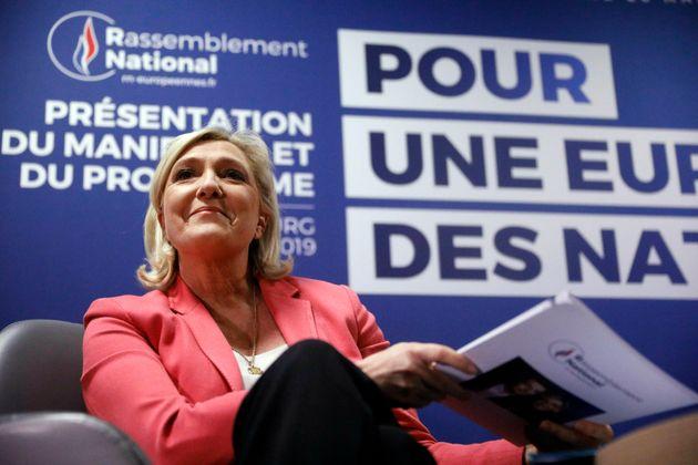 Marine Le Pen während einer Konferenz zum Thema