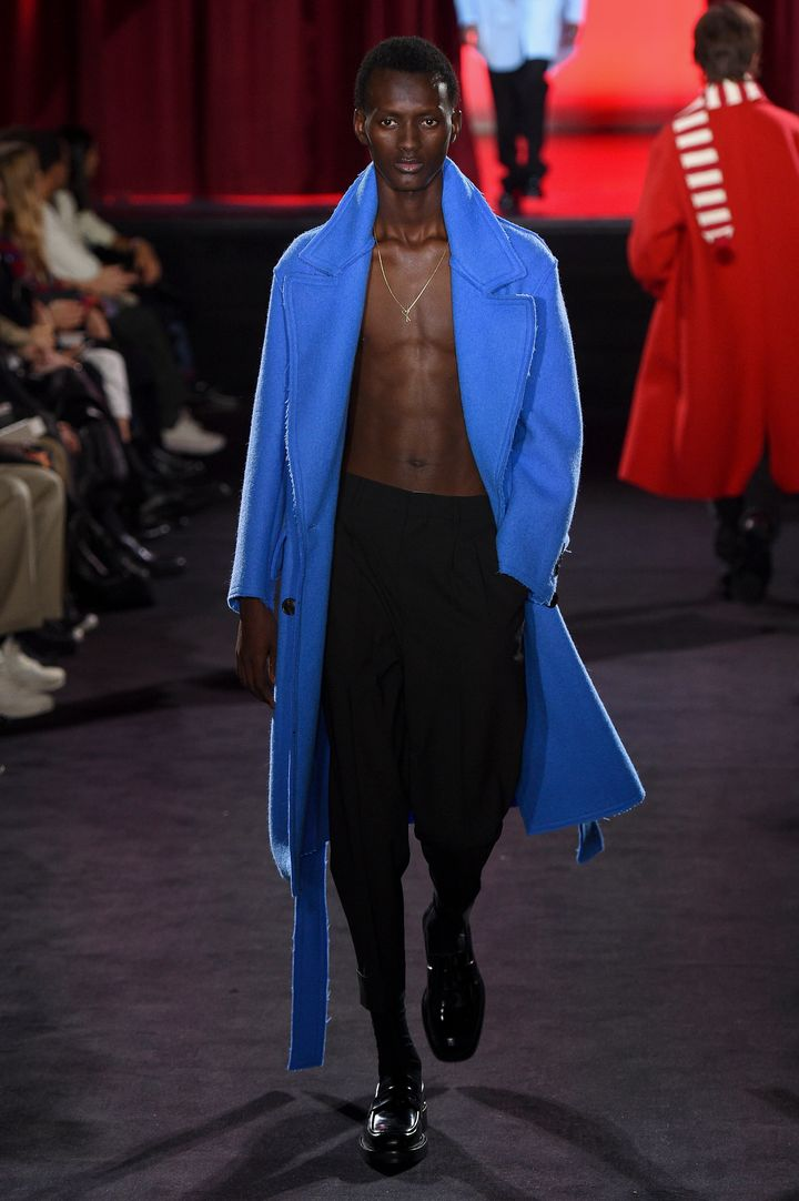 Σύνολο με υπογραφή Ami Alexandre Mattiussi: Εβδομάδα Μόδας Παρισιού.
