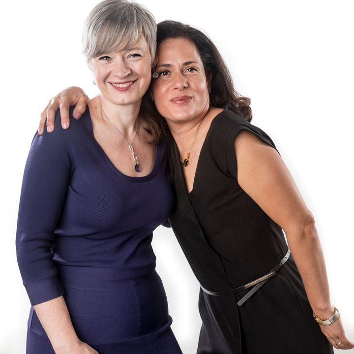 Marisa Elizundia y Clodagh Beaty.