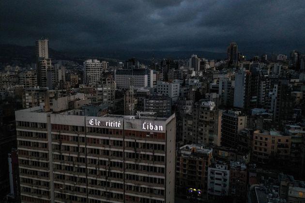 """Finito il carburante, il Libano è al buio: """"Blackout potrebbe durare giorni"""""""