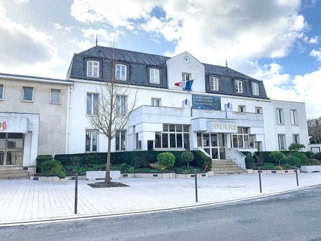 L'hôtel de ville de Montgeron dans l'Essonne. (photo
