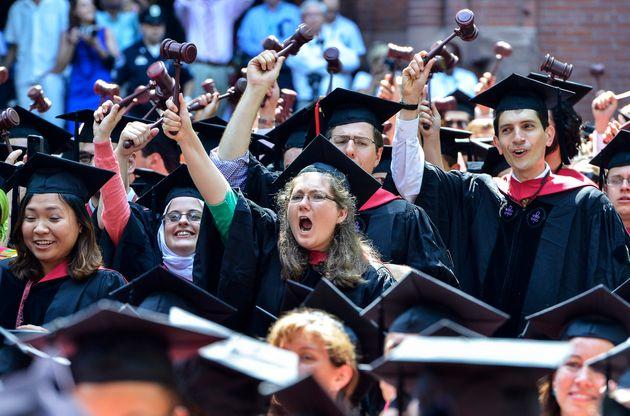 ハーバード大学の学位授与式(2013年5月30日撮影)