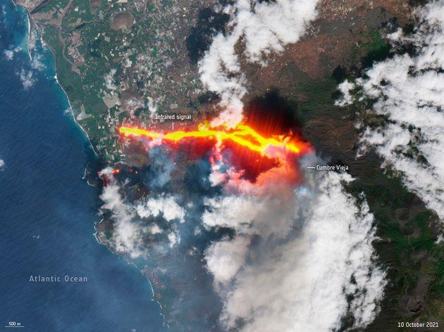 Imagen tomada por la Agencia Espacial Europea de la erupción de La