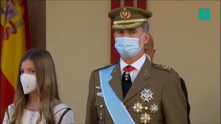 El rey y la princesa Sofía en el desfile militar del 12 de octubre.