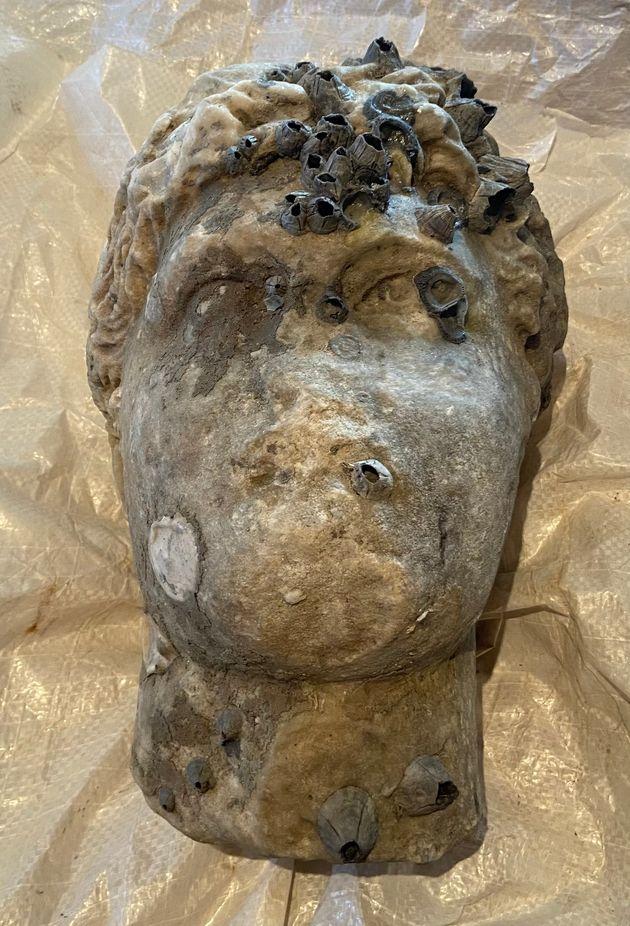 Ρωμαϊκή κεφαλή αγάλματος ανασύρθηκε από τη θαλάσσια περιοχή της