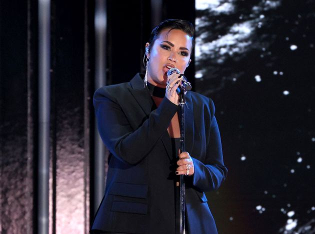Demi Lovato performing last