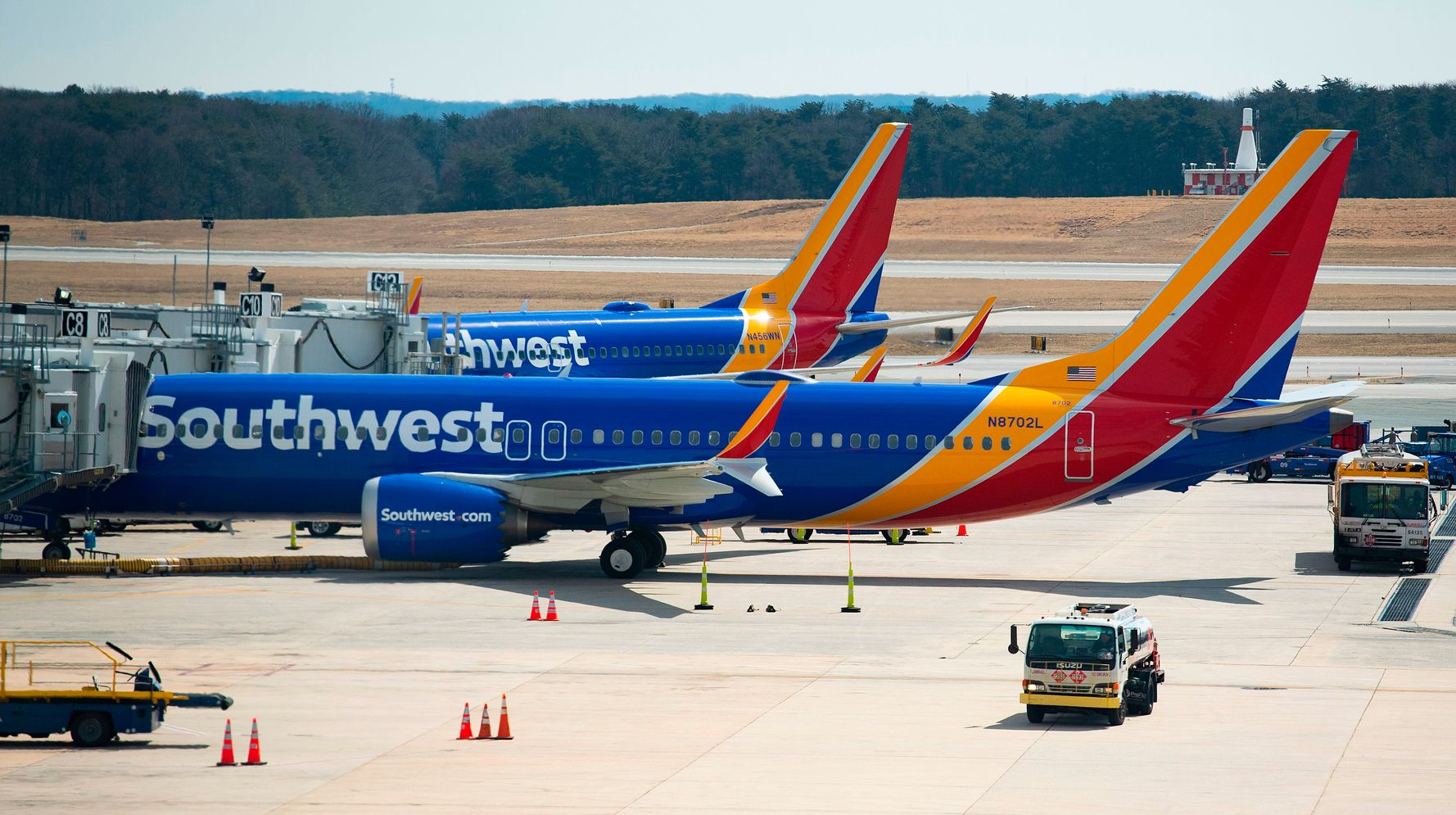 Southwest, American Airlines Rebuff Texas Gov, Will Comply With Biden Vaccine Mandates