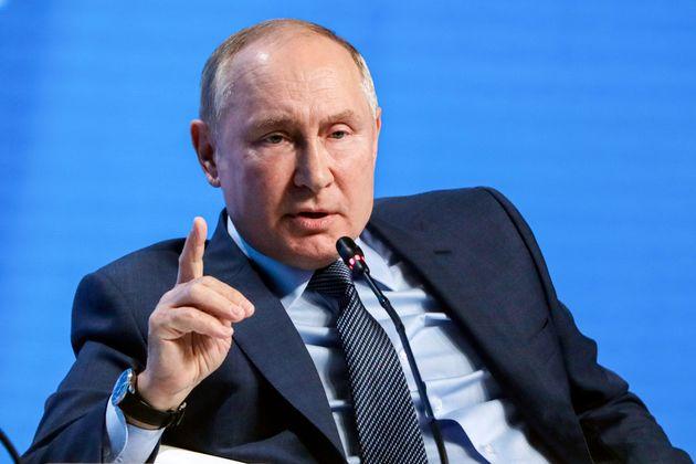 Πούτιν: Έτοιμοι να αυξήσουμε τις προμήθειες αερίου, μα είναι επικίνδυνο μέσω