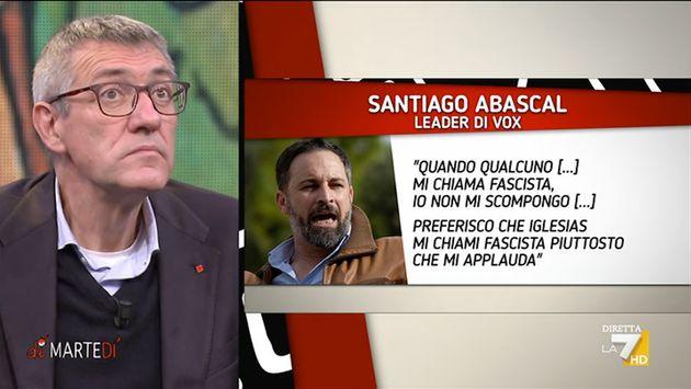 El sindicalista Maurizio Landini leyendo una frase de Santiago