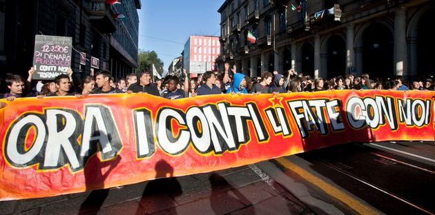 07/10/2011 Torino, sciopero nazionale della Scuola contro la crisi economica e la riforma