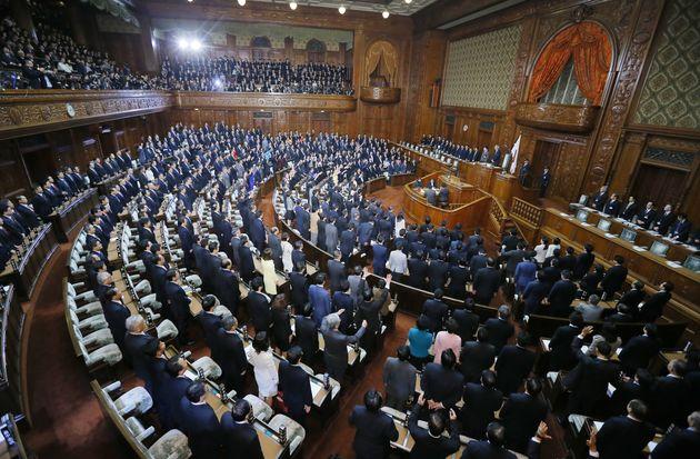 衆議院が解散=2014年11月21日午後、東京・国会内