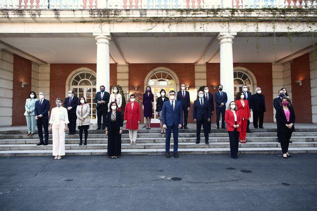 Foto de familia del Gobierno PSOE-UP, tras la remodelación del pasado