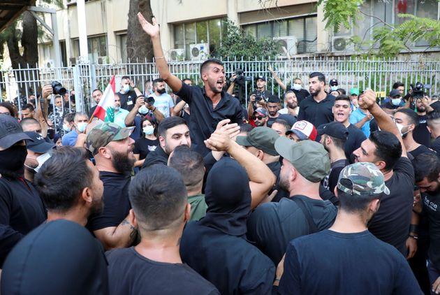 Αιματηρή διαδήλωση με πυροβολισμούς και νεκρούς στη