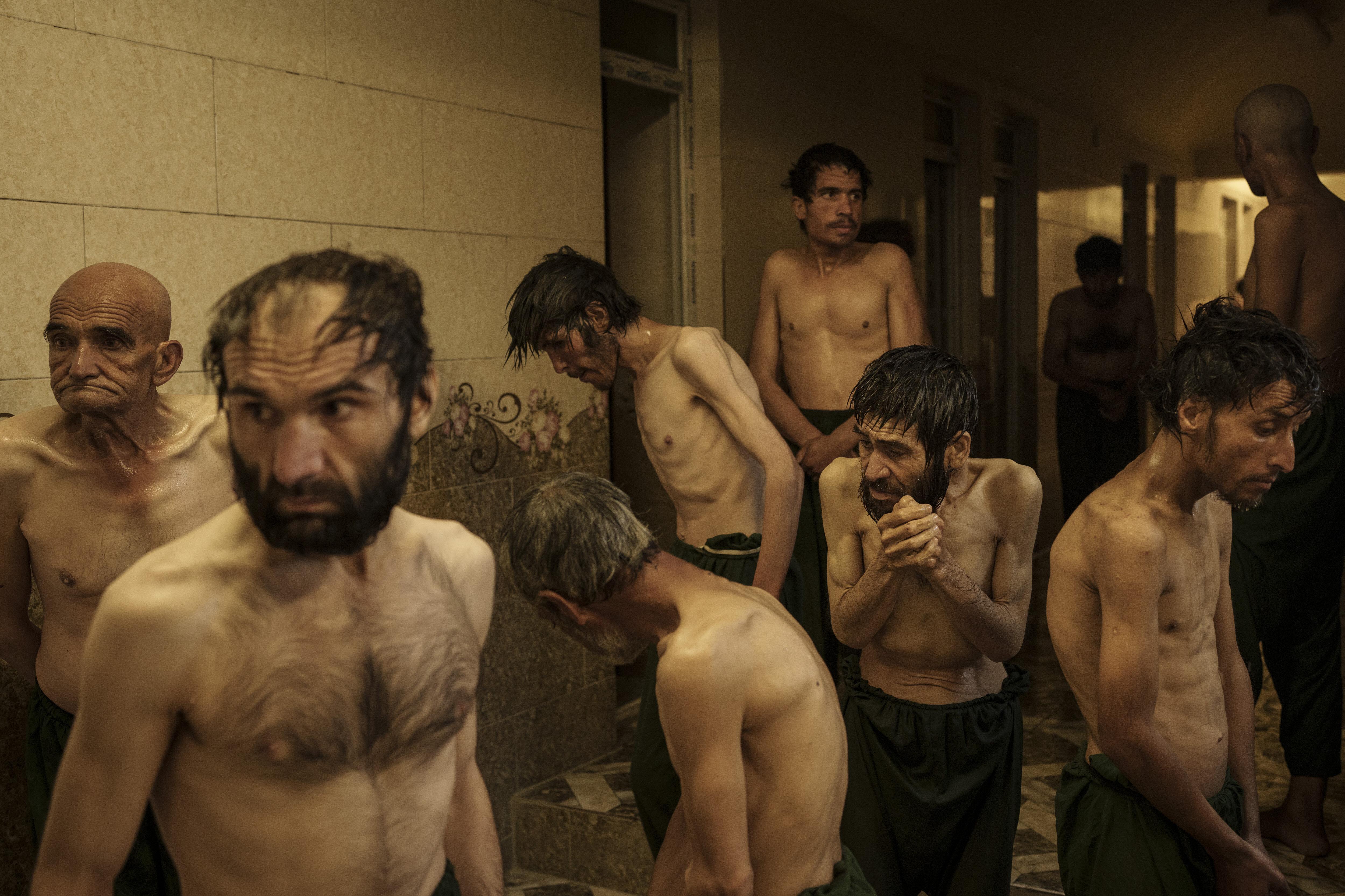 Nell'Afghanistan dei talebani non c'è posto per i tossicodipendenti. Il reportage AP
