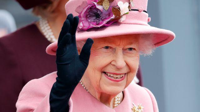 Queen Elizabeth Criticizes Those Who 'Talk, But Don't Do' Regarding Climate Change.jpg