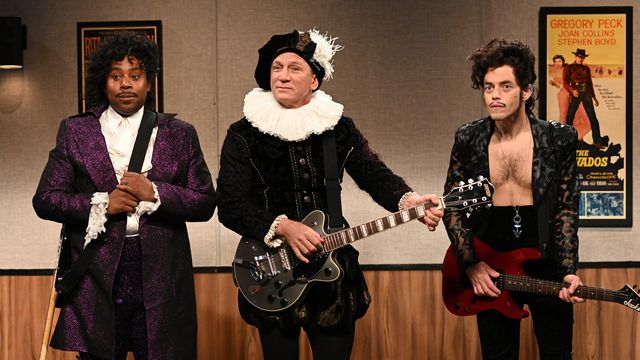 Daniel Craig Crashes Rami Malek's 'SNL' Episode For Prince Audition Sketch.jpg