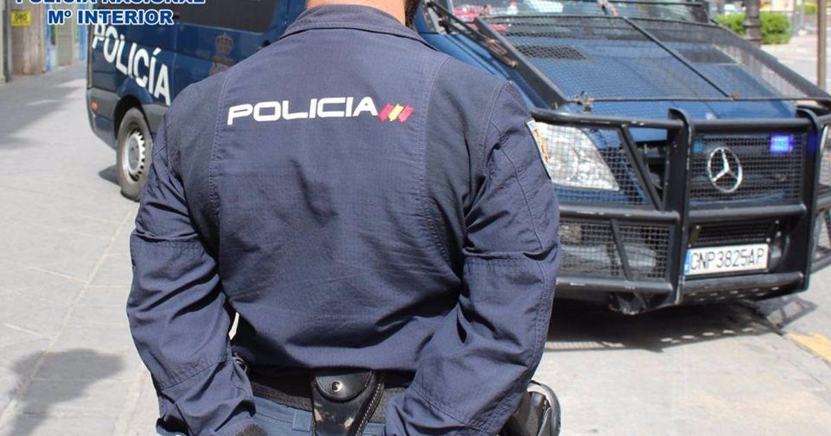 Detenida una mujer por agredir a dos maestras de su hijo: las abofeteó, tiró del pelo y escupió