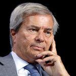 À 6 mois de la présidentielle, Bolloré change le patron de Paris Match et du