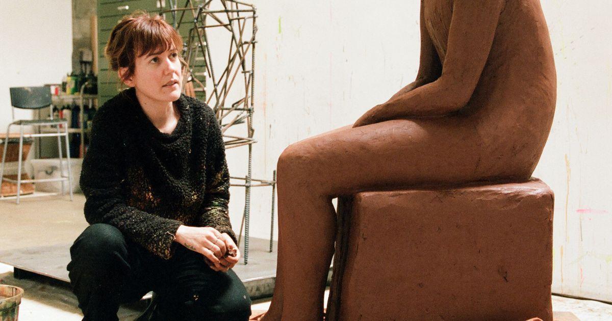 Artiste française vivante la plus cotée, Claire Tabouret cultive son mystère