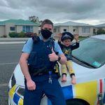 Ένα αγοράκι πήρε την αστυνομία για να πάει σπίτι να δει τα παιχνίδια του - και η αστυνομία