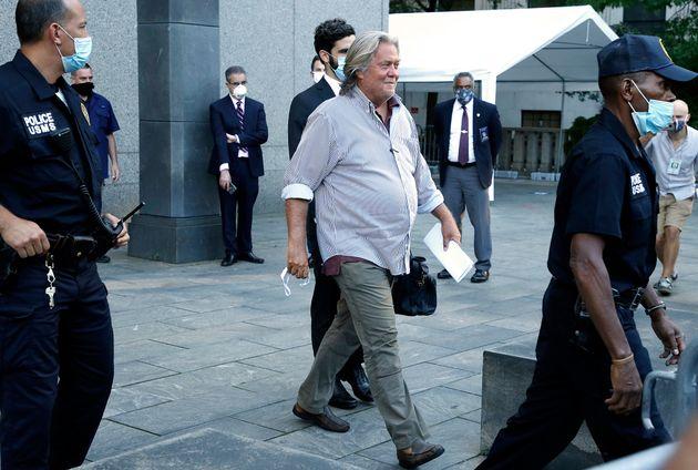 Steve Bannon accusato di oltraggio al Congresso