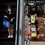 Η εμβολιασμένη Σιγκαπούρη δείχνει το κόστος της επιστροφής στην