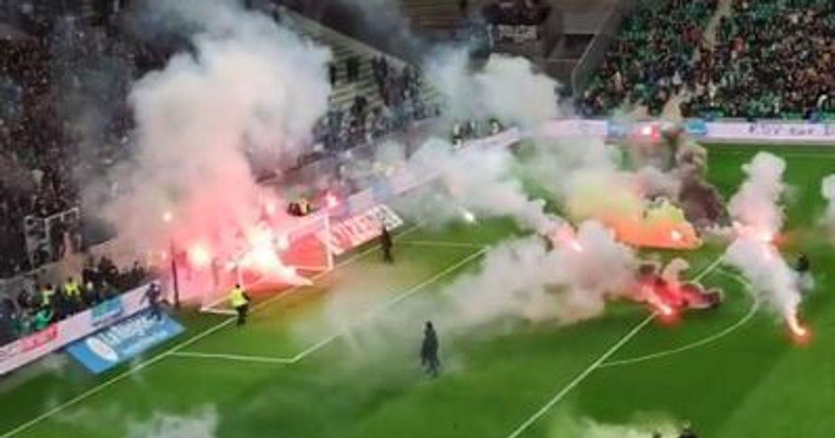 Les filets brûlés par des fumigènes, Saint-Étienne - Angers débute avec 1h de retard
