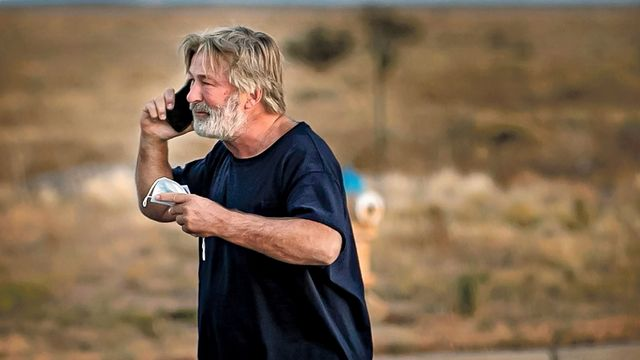 Affidavit Reveals How Alec Baldwin's Gun Draw Killed Cinematographer In 'Rust' Tragedy.jpg