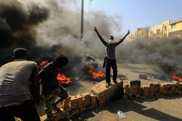 """Il golpe """"restituisce"""" al Sudan la sua drammatica normalità (diB. Nicolini)"""