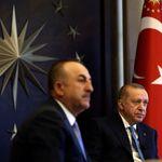 Deutsche Welle: Ο Τσαβούσογλου απείλησε τον Ερντογάν με
