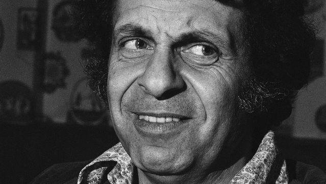 Mort Sahl, Pioneering Political Comedian, Dead At 94.jpg